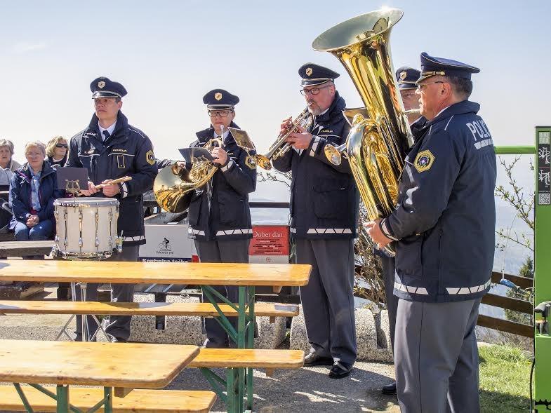 kvartet in bobnar Policijskega orkestra