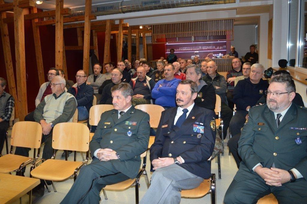 Teritorialna obramba in slovenska policija med osamosvojitveno vojno na območju Hrastnika in Zasavja
